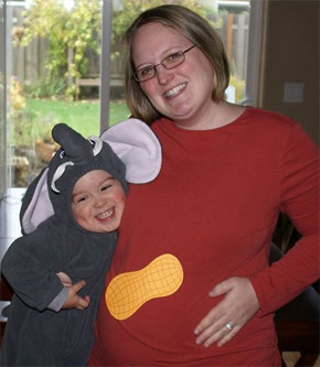 Pregnant_Peanut_halloween_costueme.jpg