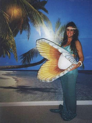 Pregnant_Mermaid_halloween_costume.jpg